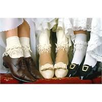 Trend Alarmı Dantel Çoraplar