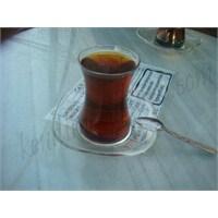Çayının Yanına Dost Arayan El Kaldırsın