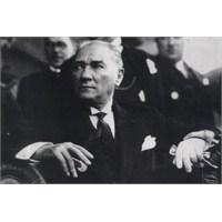Atatürk Fotoğrafları Sergisi Forum İstanbul'da