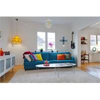 Rengarenk Bir Oturma Odası