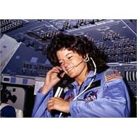Uzaya Çıkan İlk Kadın 61 Yaşında Öldü