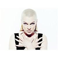 Jessie J İçin Sahne Kostümü Tasarlayın