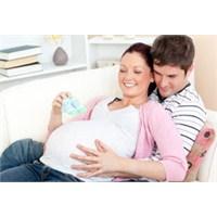Bebek Anne Karnında Ne Kadar Kalabilir
