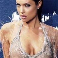 Angelina Jolie Den Pürüzsüz Vücut Sırları