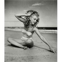 Marilyn Monroe: Tüm Zamanların En İyi Bikini Vücud