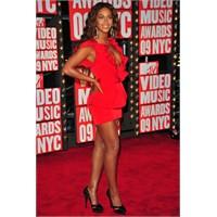 Beyonce kırmızı halı elbise modelleri