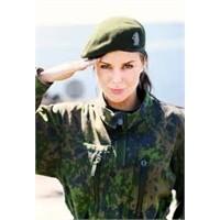 Kadın Askerler