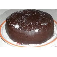 Çikolatalı Doğum Günü Yaş Pasta Tarifi