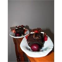 Çikolata Kapli Browni