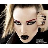 Gotik Makyaj Nasıl Yapılır?