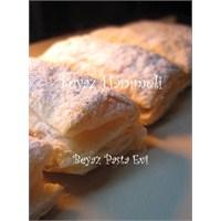 Kolay Ve Leziz Bir Pasta: Kremalı Milföy Pastası