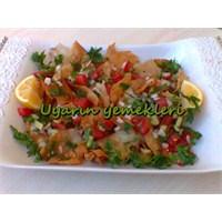 Fetuş Salatası