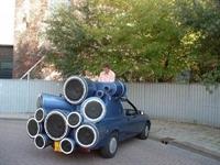 Dünyanın En Güçlü Ses Sistemine Sahip Arabası