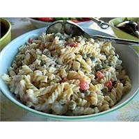 Kıvamında Makarna Salatası