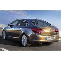 2013 Yeni Opel Astra Sedan Tasarımı Belli Oldu