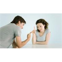 Evliliği Mahveden 7 Davranış!