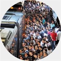Metrobüs Aracına Ve Yolcularına Varoluşsal Bakış