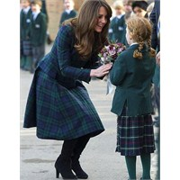 Kate Middleton: Ekose Mcqueen Manto