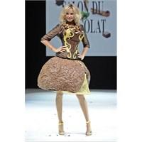 Çikolatadan Elbise Hem Giysek Hem De Yesek:)
