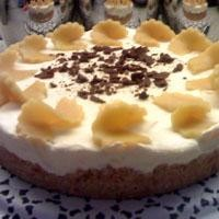 Bademli Kayısılı Pasta