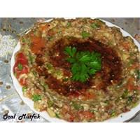 Közlenmiş Patlıcan Salatası(Abugannuç)