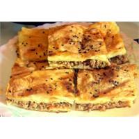Kıymalı Börek Tarifi, Yapılışı Ve Malzemeleri