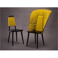 Sandalye Kıyafetleri