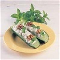 Yoğurtlu Cevizli Salat