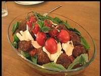 Oktay Ustadan Salatalı Köfte