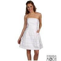 Günün Rengi : Beyaz Renk Elbise Kombini