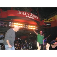 Jolly Joker Ve Yaşar, Canli Performans