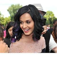 Katy Perry mavi mor saç stili