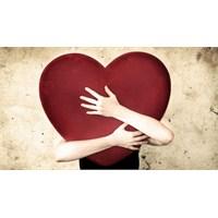 Mutluluğun Göbek Adıdır Sevgi