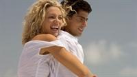 Bir Kadını Kendinize Aşık Ettirecek 14 Öneri