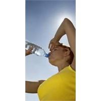 Su İçmek Cilde Fayda Mı Verir Zarar Mı?