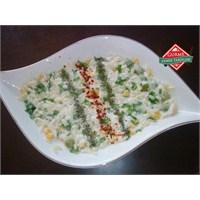 Yoğurtlu Arpa Şehriye Salatası Tarifi - Gurme