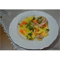 Sebzeli Ve Terbiyeli Tavuk Yemeği