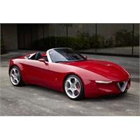 Pininfarina İmzalı Alfa Romeo 2uettottanta