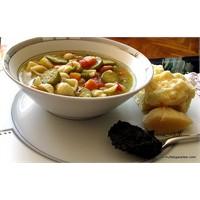 İtalyan Sebze Çorbası Minestrone-pesto Soslu
