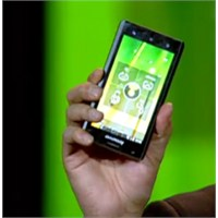 İntel Tabanlı İlk Android Akıllı Telefon