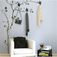 Ağaç Duvar Stickerları Vestiyer Oluyor