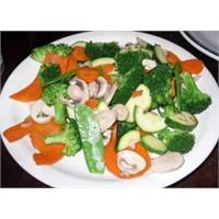 Buharda Türlü Sebze Yemeği