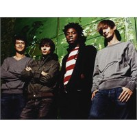 "Yeni Video: Bloc Party ""Kettling"""