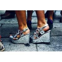 Özel Günlerinizi Renklendirecek Ayakkabı Tasarımı
