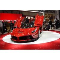 """Ferrarinin Yeni Üyesi """" Laferrari """""""