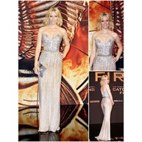 Elizabeth Banks İn Elie Saab Couture
