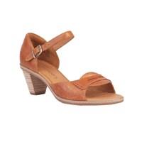 Ünlü Bot Markasından Farklı Topuklu Ayakkabılar