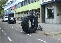 Büyük Tekerlekli Bisiklet