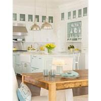Deniz Renkleriyle Tasarlanmış Mutfak Dekorasyonu