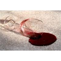 Halıdaki Şarap Lekesi Nasıl Çıkar